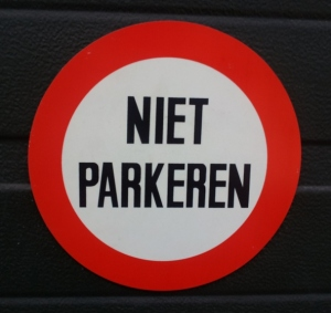 Niet parkeren - No parking